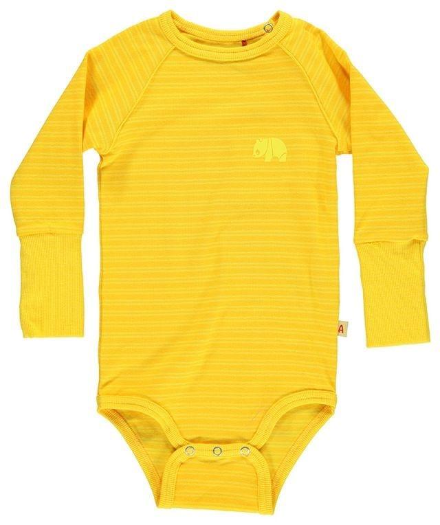 Beskrivelse  Nydelig body fra Alba Baby til små gutter. Bodyen er i spreke farger og et mykt bomull stoff. Perfekt til en liten krabat.