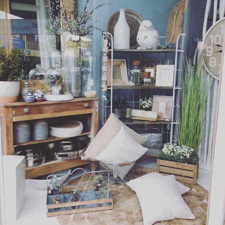 New window #mirror #clock #natural #rugs #plants #white #homewares #quinceyjac