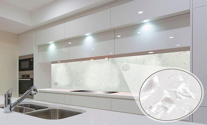 Backsplashes in Mother-of-Pearl / Dosseret en Mère de Perle #Backsplashes #Design #Desiger #Deco #Decoration #Home #Kitchen #KitchenDesign #Cuisine #Pearl #decor #homedecor #homedesign #officedesign #interiordesign #architecture #homedécor #homeimprovement #office