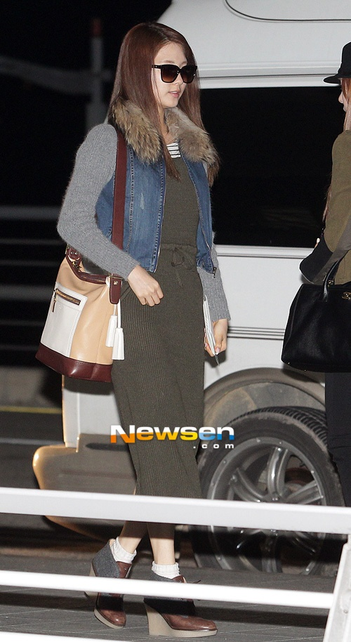 Seohyun Airport fashion, i like how cozy her outfit looks. love the knitted dress <3