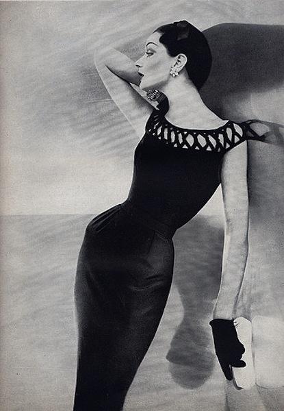 Dovima - June 1955 - Dress by Balenciaga.