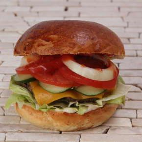 Sajtburger - All About Street Food (Új/New!) | Rendeld meg most a LeFoodon, Házhozszállítással, online, másodpercek alatt: http://lefood.hu/allaboutstreetfood | Összetevők: Buci, marhahús, cheddar vagy ementáli sajt, majonéz, mustár, ketchup, kígyóuborka, paradicsom, hagyma, jégsaláta | EN: Order now online! Cheeseburger: Bun, beef patty, cheddar or Emmental cheese, mayonnaise, mustard, ketchup, cucumber, tomato, onion, lettuce