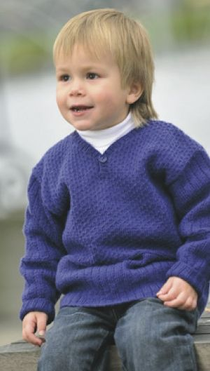 Strikket sweater med slids   Familie Journal