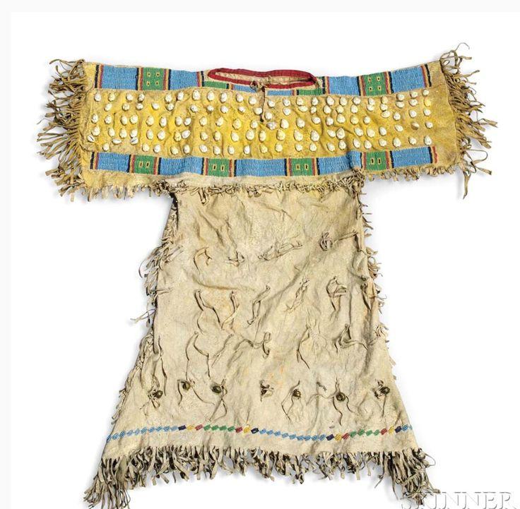 Детское платье, Южные Шайены. Последняя четверть 19 века. Skinner. American Indian & Ethnographic Arts - 2983B. 10 февраля 2017 года, Бостон.