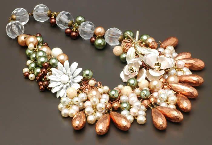 Beads beads beadsStatement Necklaces, Beads Beads, Beads Necklaces, Amazing Necklaces, Beads Choker, Necklaces Bracelets, Necklaces Ideas, Beach Wedding, Bead Necklaces