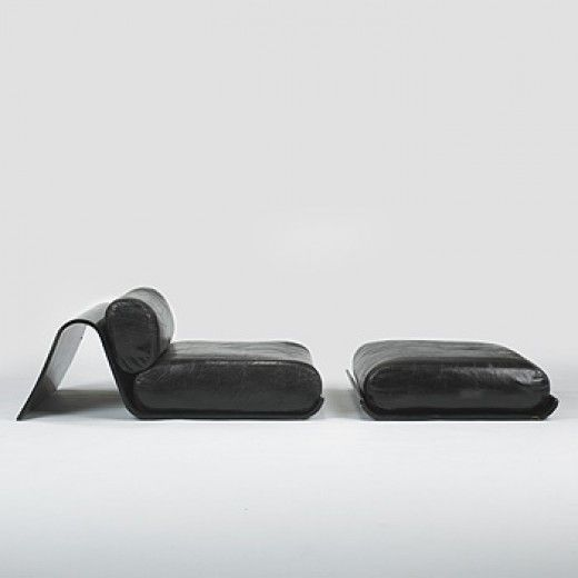 Oscar Niemeyer, Lounge Chair and Ottoman for Tendo, 1978.