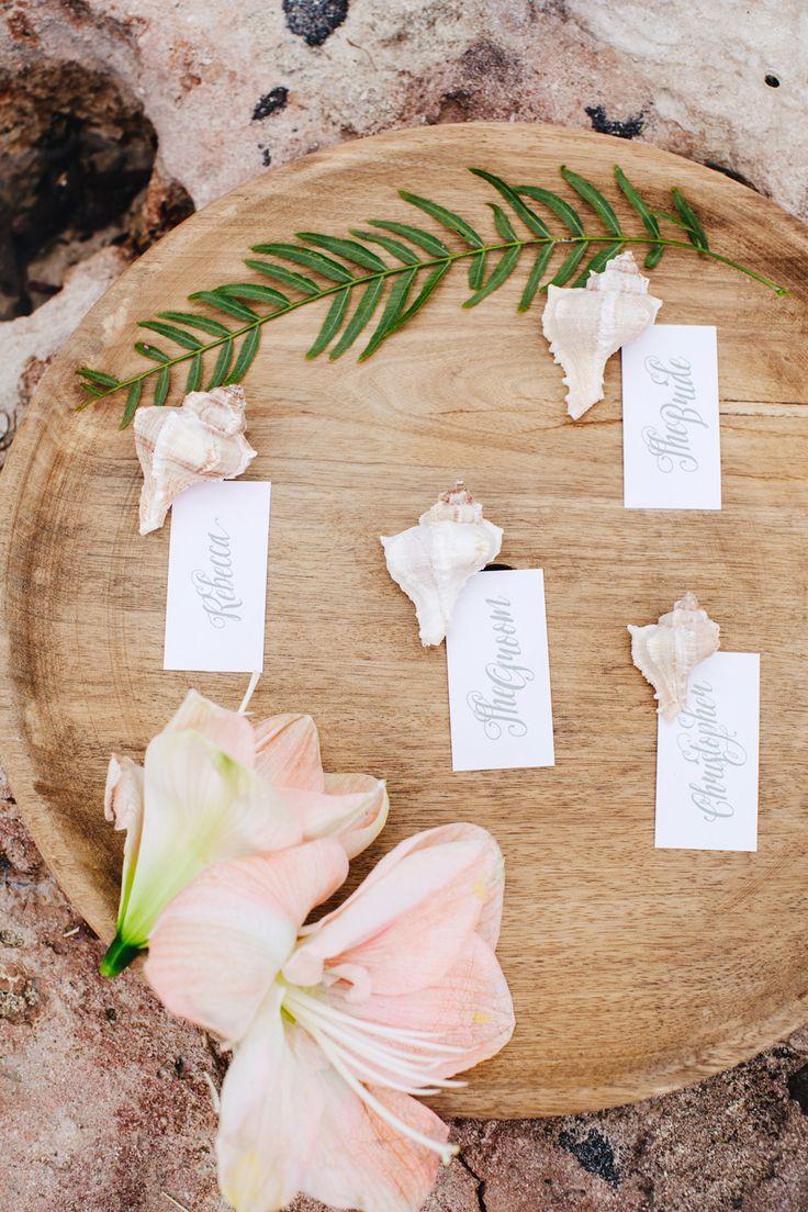 http://www.couturehayez.com/blog/wedding-in-puglia-ispirazione-boho-chic-per-la-sposa-che-sogna-una-festa-di-nozze-in-riva-al-mare/ Stationary Cut And Paste foto Les Amis Photo