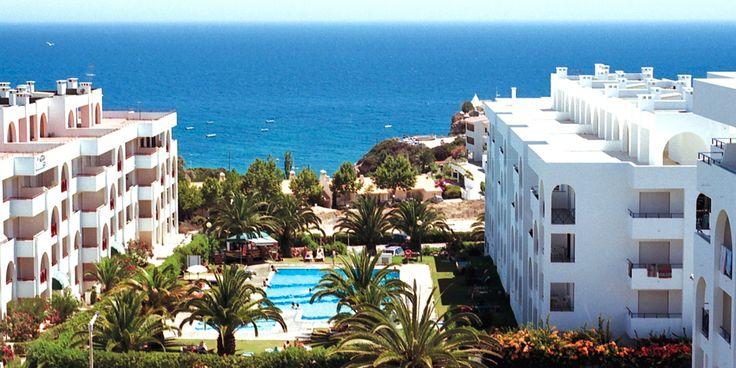 Be Smart Terrace Algarve är beläget med Praia Senhora da Rocha inom promenadavstånd! Boka din resa hos Solresor!