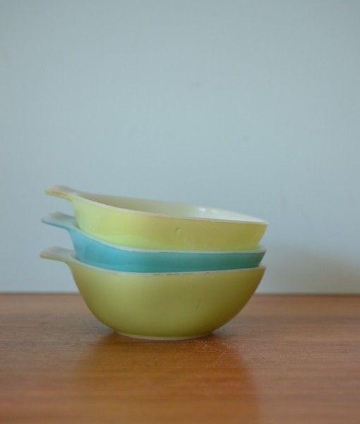 Vintage Pyrex Crown ramekins green & turquoise  x 3 bowls dish