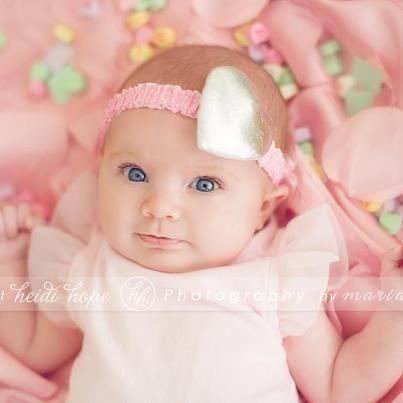 newborn valentines day photography -