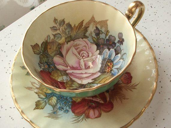 plato y taza de té antiguo conjunto taza del té verde Aynsley porcelana inglesa juego de té Rosa firmado Bailey San Valentín día boda regalo
