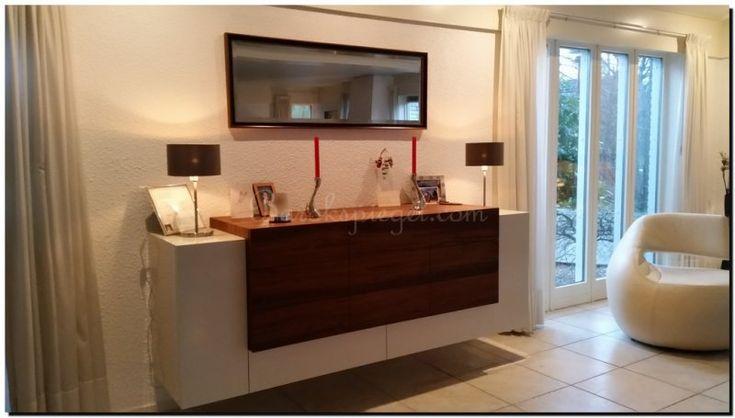 moderne twee kleurige spiegel boven dressoir http://www.barokspiegel.com/klassieke-spiegels/passpiegel-pico