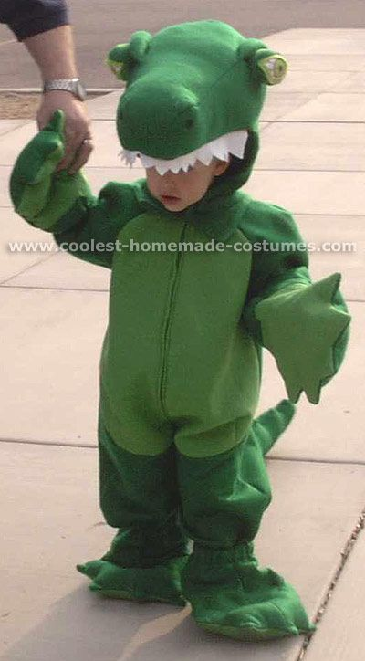 Charming Unique Halloween Costume Ideas For Alligators | Halloween | Unique  Halloween Costumes, Halloween Costumes, Crocodile Costume