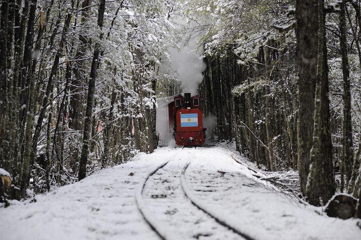 Tren del Fin del Mundo, #Ushuaia #TierraDelFuego #Patagonia #Argentina #NieveArgentina #Viajes #Turismo #ArgentinaEsTuMundo | Más Info en www.facebook.com/viajaportupais