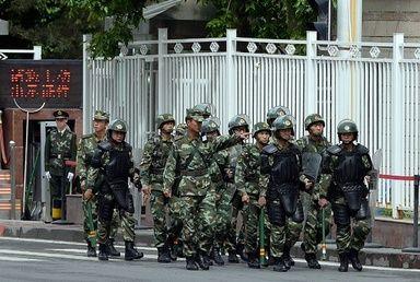 ウルムチの朝市襲撃、死者39人に 1年間の「対テロ作戦」開始 写真4枚 国際ニュース:AFPBB News