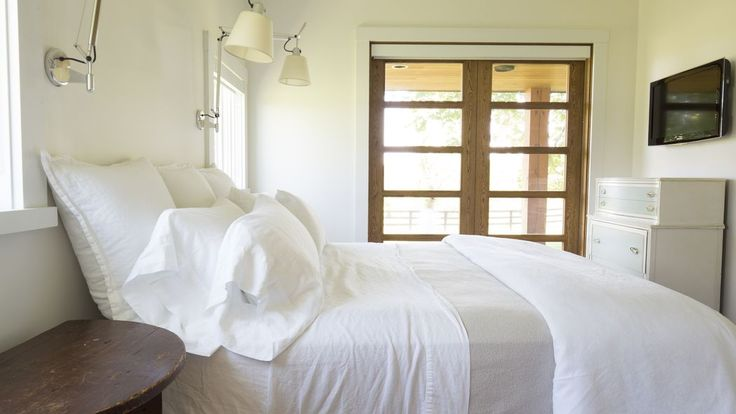 This will make you feel like a Laundry God - how to maintain white bedding