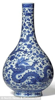 Chinese vase valued at GBP30,000 which sat in a family home for 40 years sells for GPB3 MILLION!