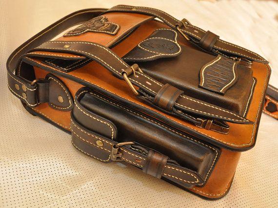 Brown leather men's tablet messenger bag
