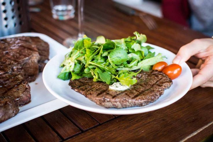 Barbequed beef steak with greens - FoodiesFeed