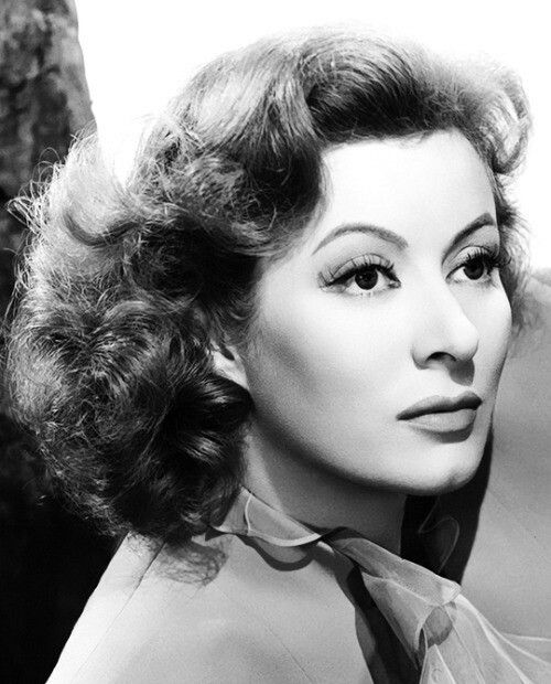 Greer Garson (1904-1996) One of my favourite actresses...ever! And not just because she was a red head. ;)
