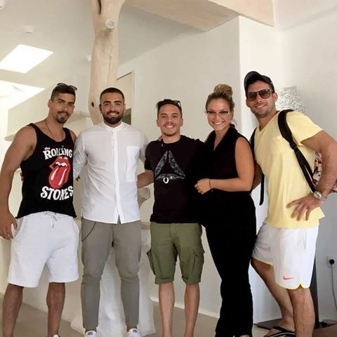 It was an honor to welcome and host world champion gymnast @eleftherios_petrounias to Kenshō Mykonos! #ornos #kenshomykonoshotel #hotel #ornosbay #greece #mykonos #weloveourguests #kenshohotel