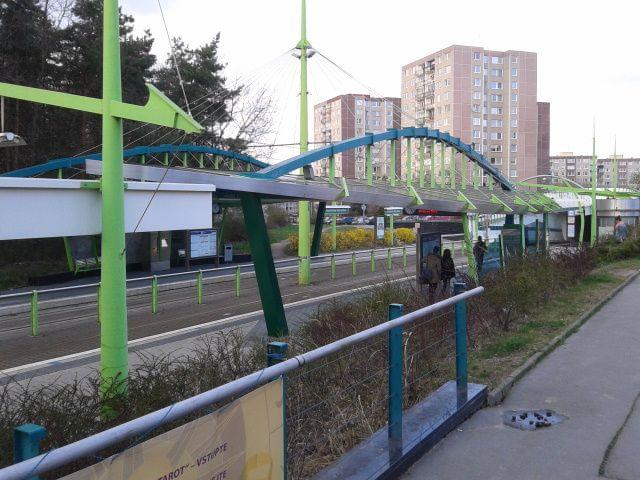 En Barrandov teníamos los paradas de tranvías.