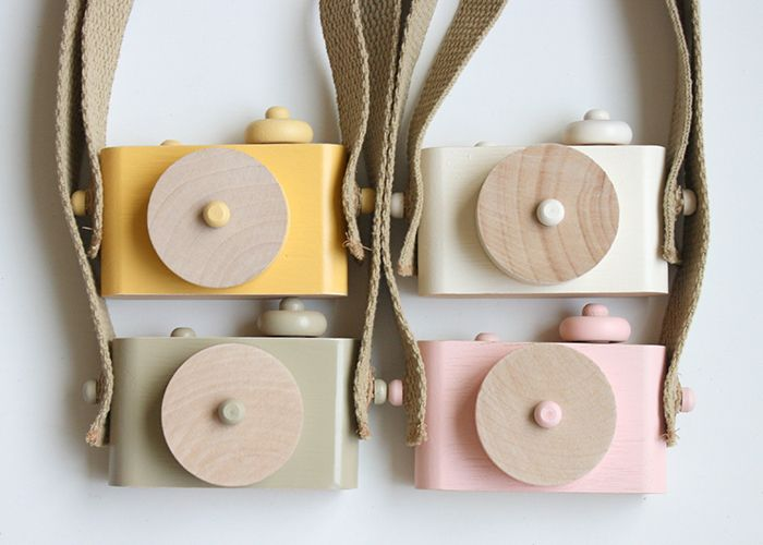 wooden camera / twig creative / what a fun toddler toy!!! I want one in every color