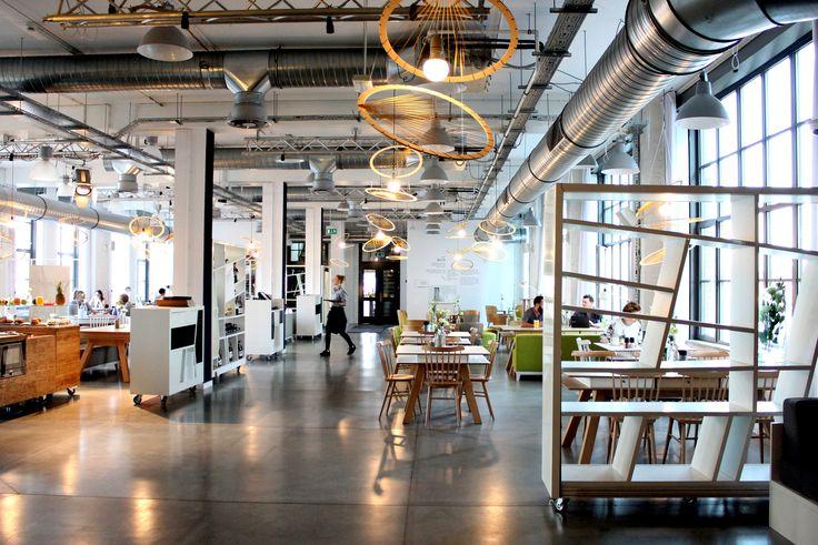 Concordia Taste/ postindustrialne wnętrze/ dekoracja jesienna/ autorzy: studenci Schhol of Form, industrial interior, decoration by School of Form students
