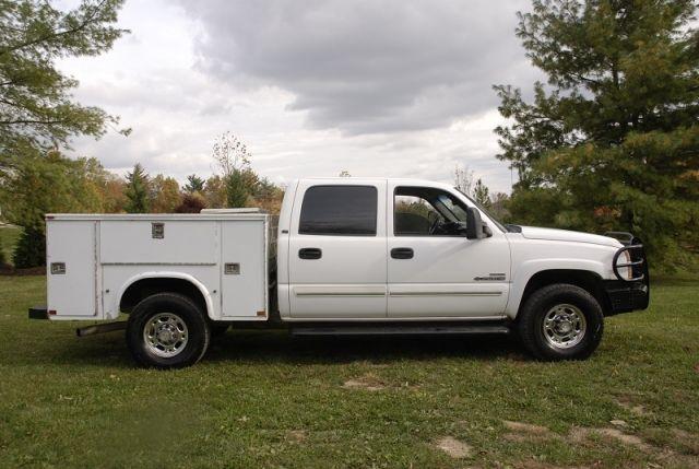 2007 Chevrolet 2500 HD Crew Cab Diesel Utility Truck