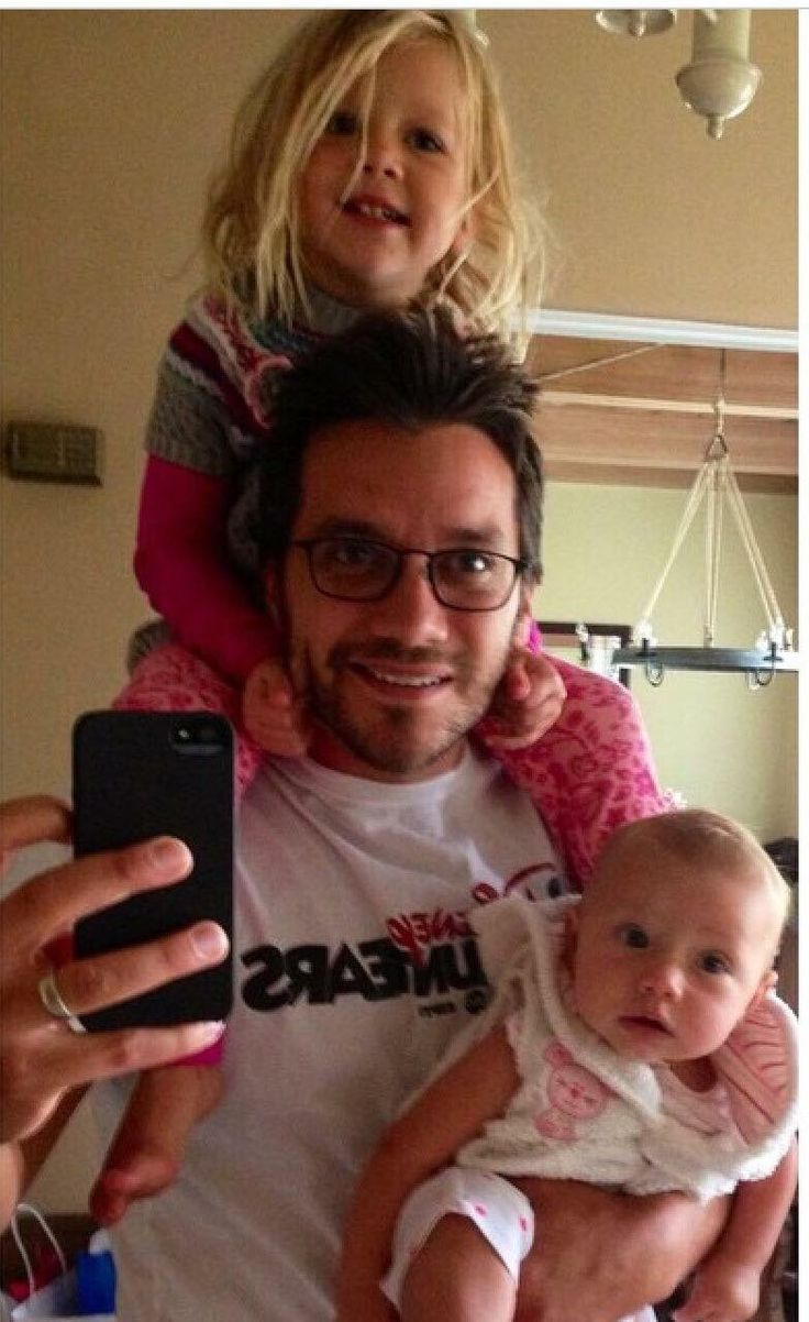 Dominic Zamprogna with his two daughters