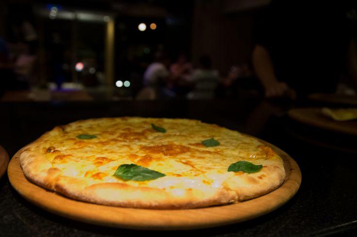 Δεδομένα που δεν αλλάζουν: Ο νόμος της βαρύτητας και ότι η πίτσα στο Nobell είναι η καλύτερη πίτσα που έχεις δοκιμάσει.  #Pizza #Nobell