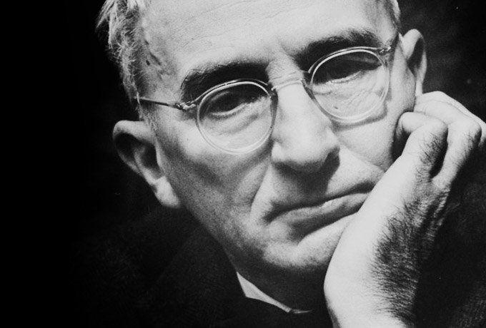 """Poți să-l tratezi cu nepăsare pe Carnegie, dar nu și afirmațiile lui! Scriitorul, jurnalistul, psihologul și pedagogul Dale Carnegie gândea și trăia conform principiului """"nu există oameni răi, dar există circumstanțe neplăcute care pot fi depășite. Nu merită din cauza lor să ne anihilăm viața și starea sufletească a celor din jur"""". Psihologul aborda acest …"""