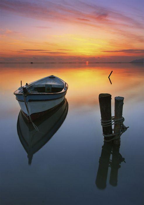 Calm at sunset~~~: Old Boats, Fish Boats, Wooden Boats, Sunsets, Beautiful Sunset, Kani Polat, Landscape, Cool Photo, Photography