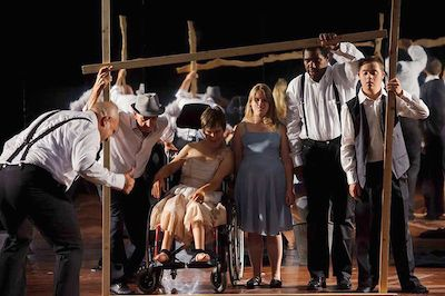 """La rassegna si apre con lo spettacolo """"Personaggi"""" CAGLI (PU) – Venerdì 11 settembre, alle ore 21,15 con """"Personaggi"""" prende il via al Teatro di Cagli la rassegna """"Attori diversamente attori"""", Accademia delle Diversità di Bolzano.Se l'arte, e soprattutto l'arte teatrale, sono per natura esperienza della relazione attraverso la diversità, dell'emozione, attraverso la differenza, allora"""