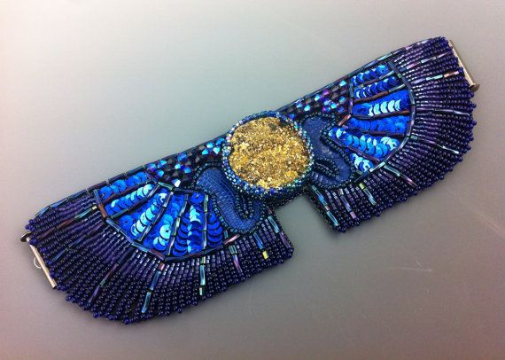 Cérémonie de serpent en Indigo - bijoux égyptien, égyptien antique influencé Bracelet manchette, perles brodées, pourpre et or