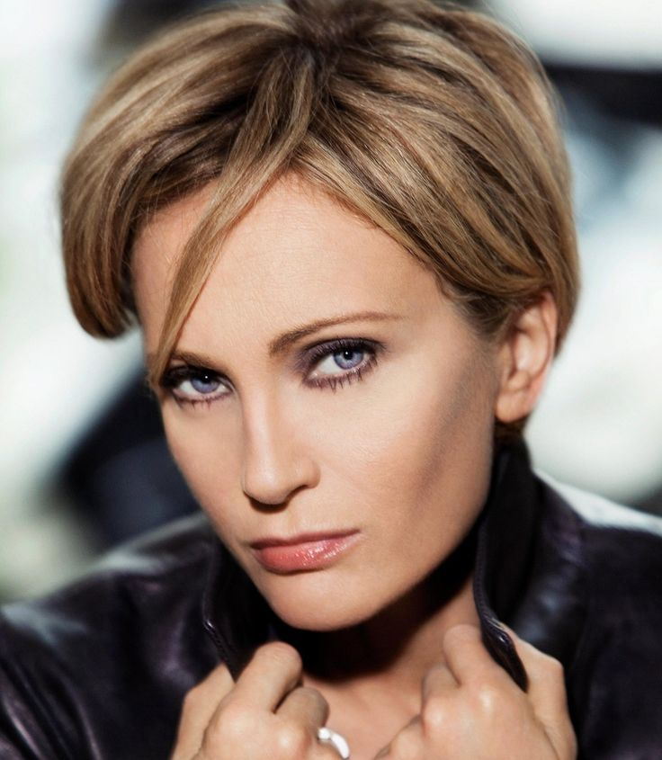 About Patricia Kaas, the famous French singer and actress, with the latest news, video, audio, photos and articles