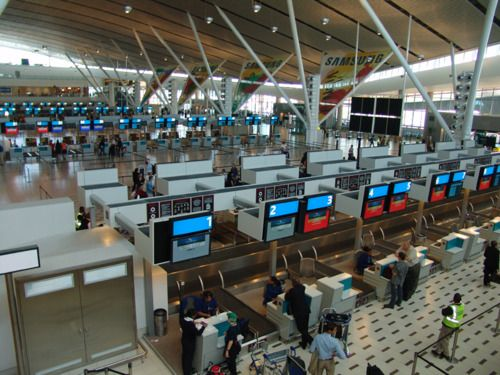 CAPE TOWN INTERNATIONAL AIRPORT: FEATURES &... | Bus Hire Cape Town