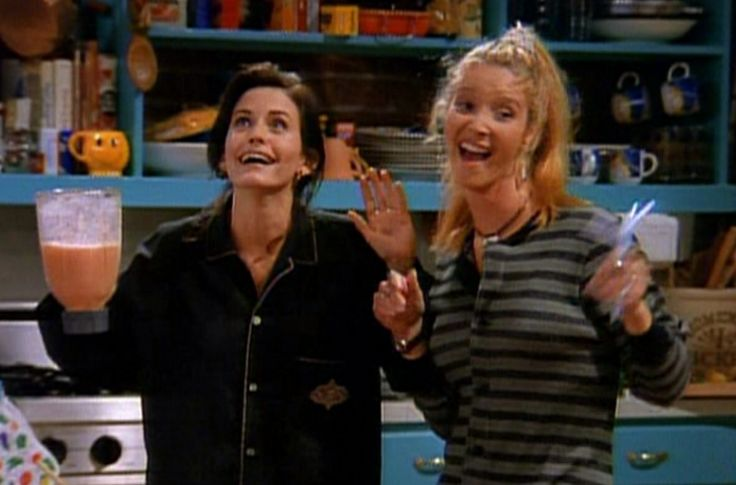 Phoebe and Monica imitate Rachel's friends, who scream every time they see each other.
