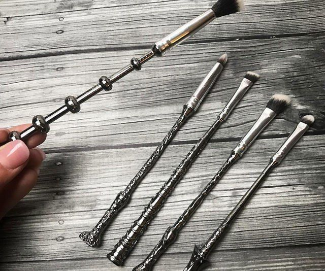 Кисти для макияжа в стиле Гарри Поттера -http://ali.pub/5fzjk