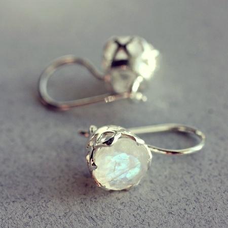 Sølv ørepynt med månestener ~ Sterling sølv 925