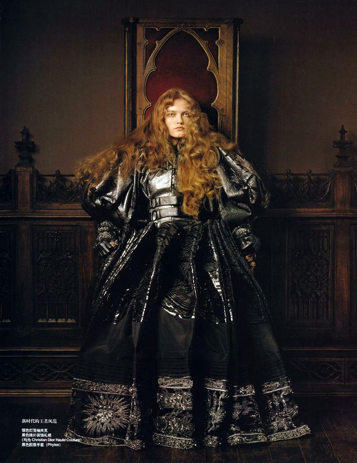 Modeconnect.com - Queen of the Renaissance | Vlada Roslyakova by Pierluigi Maco for Vogue China (January 2007)
