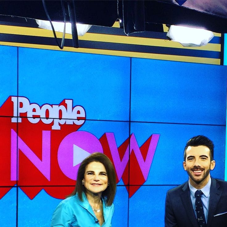 Posted by Tovah Feldshah  On the television talk show People Now with fantastic anchorman Jeremy Parsons talking about The Walking Dead the Flesh and Bone premiere tonight and my singing debut inside series TV on Mon Nov 30th CW CHANNEL at 8pm opposite Rachel Bloom in Crazy Ex-Girlfriend playing her mom #TovahFeldshah #TWD #TheWalkingDead #Deanna November 12 2015 at 09:15AM