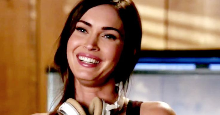 'New Girl' Season 5 Trailer Introduces New Roommate Megan Fox -- Megan Fox becomes the new roommate and Fred Armisen dresses up as Jess in the trailer for Season 5 of 'New Girl', debuting January 5. -- http://movieweb.com/new-girl-season-5-trailer-megan-fox/