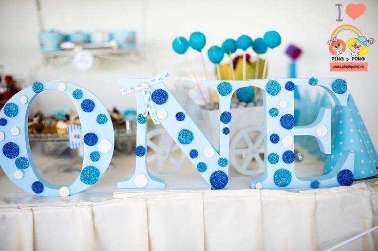 litere-volumetrice-albastre