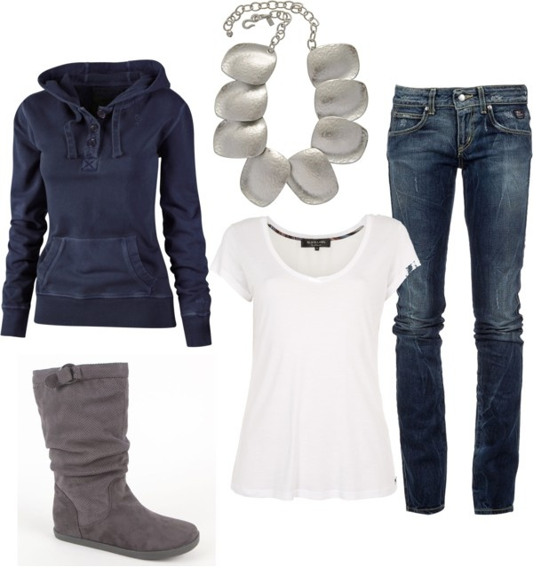Comfy and casual... Without the necklace.