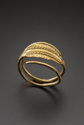 Gold finger ring, 3rd century A.D. Europe