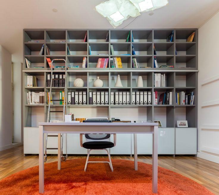 Loja de móveis, feitos por medida. Frabricante português de móveis, cozinhas, roupeiros, estantes, camas e muito mais. A sua casa à sua medida