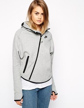Nike Fleece Hoodie With Butterfly Back asos €106.64
