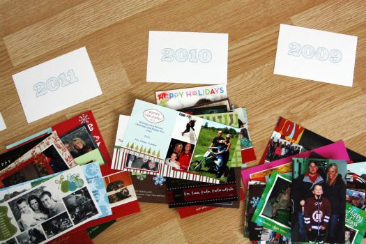 Another way to organize cards, this one in a regular photo album with cute cards to separate each year: Christmas Cards, Organizations Cards, Cute Cards, Cards Organizations I, Organizations Holidays, Holiday Cards, Greeting Cards, Photo Cards, Holidays Cards