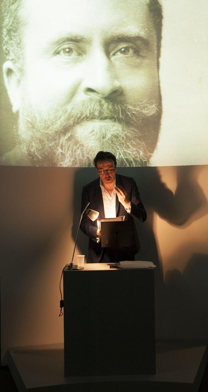Nuit européenne des musées 2014 Lecture de textes de Jean Jaurès par Laurent Poitrenaux © Archives nationales, Nicolas Dion